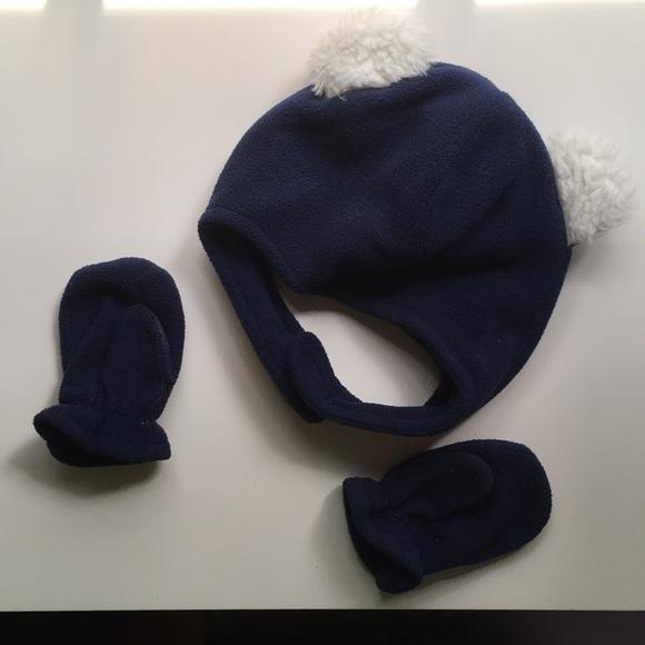 Baby boy fleece hat and mittens set. M 5b84330b7c979dcbe12d2b6e c9f40d77312